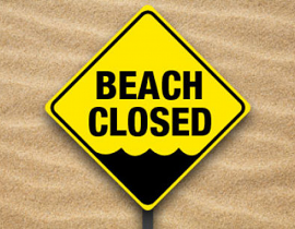 ビーチ遊泳禁止の看板